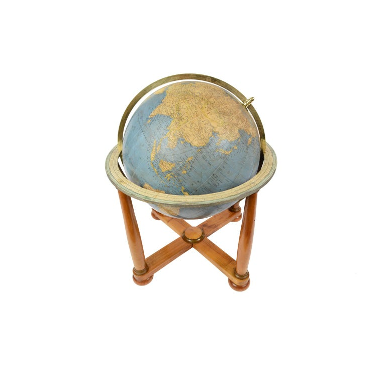 Terrestrial Globe Published in the 1950s by Vallardi Publisher For Sale 10