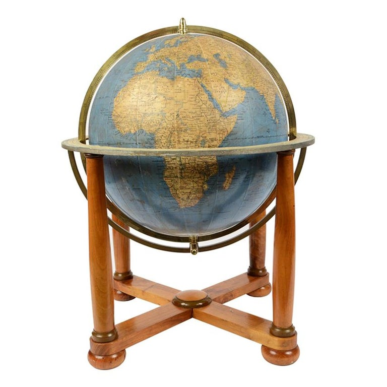 Terrestrial Globe Published in the 1950s by Vallardi Publisher For Sale