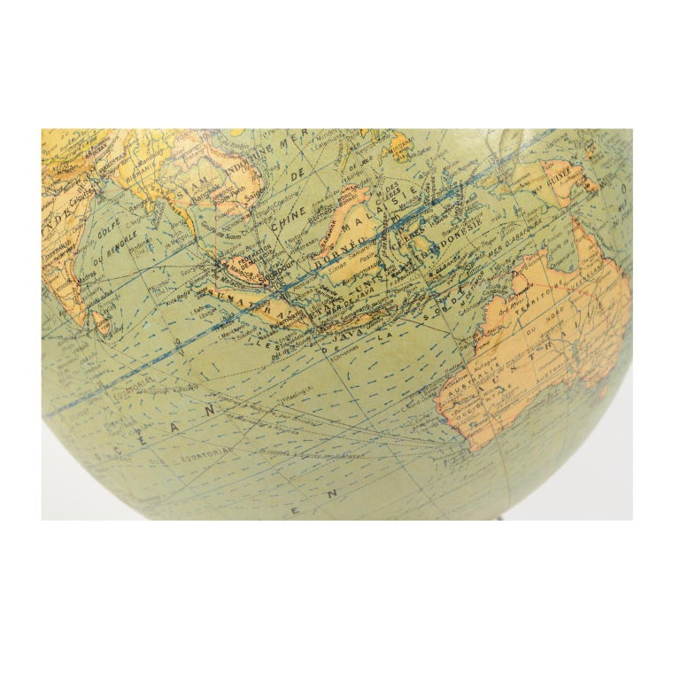 Terrestrial Globe Published in the 1940s by Girard Barrère et Thomas, Paris For Sale 4