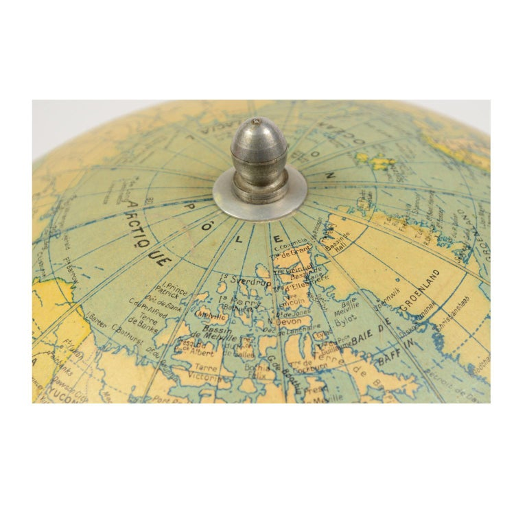 Terrestrial Globe Published in the 1940s by Girard Barrère et Thomas, Paris For Sale 9