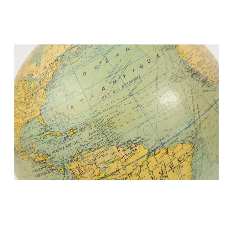 Terrestrial Globe Published in the 1940s by Girard Barrère et Thomas, Paris For Sale 2