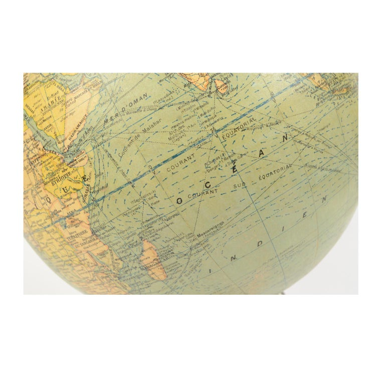Terrestrial Globe Published in the 1940s by Girard Barrère et Thomas, Paris For Sale 3