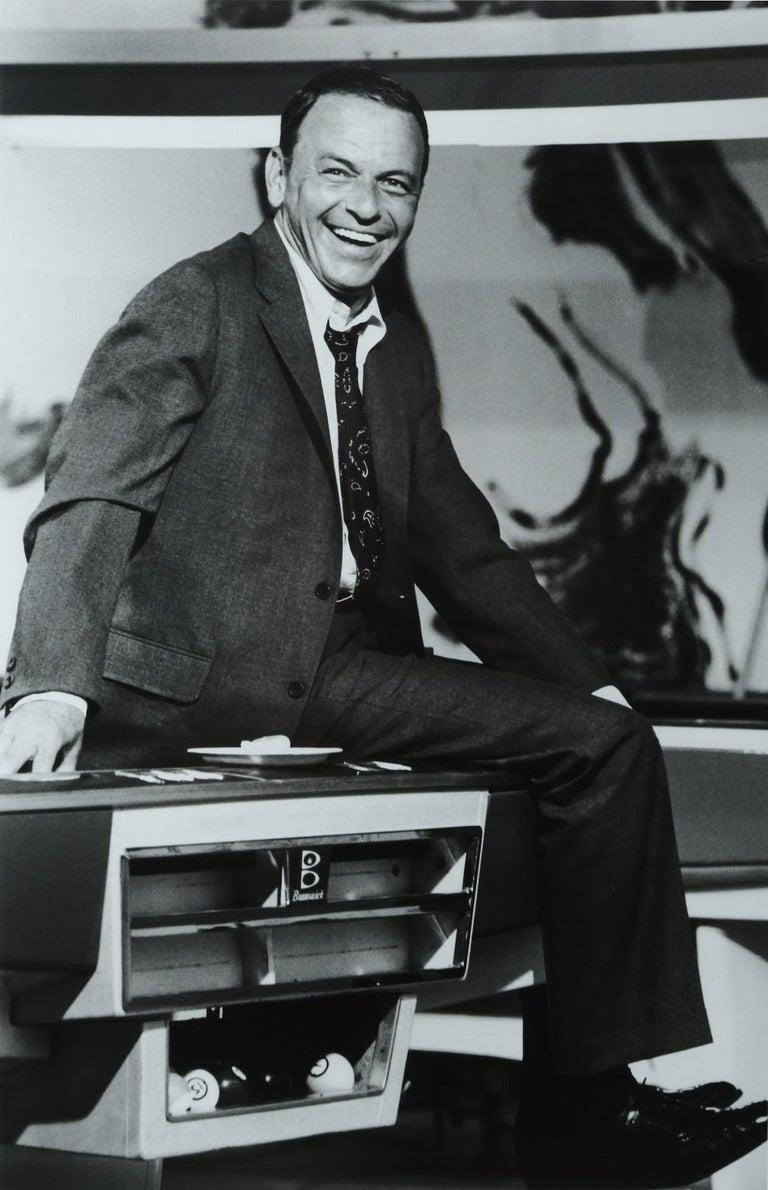British Terry O'Neill Black and White Photo of Frank Sinatra, 1968, Limited Edition