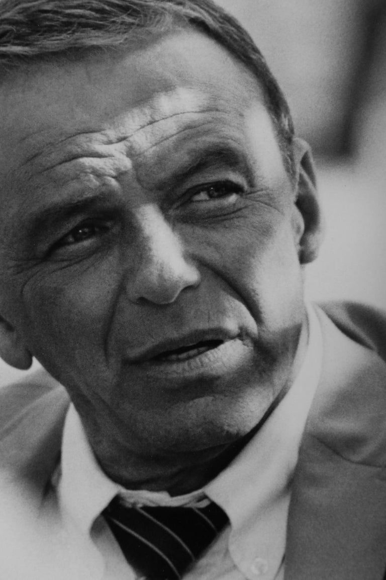 Terry O' Neill Black and White Photograph of Frank Sinatra in Miami, 1968 In Excellent Condition For Sale In Miami, FL
