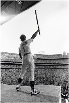 Elton John, Saluting, Dodger Stadium, Los Angeles, October 1975