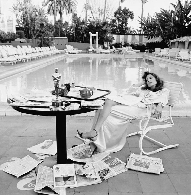 Terry O'Neill Black and White Photograph - Faye Dunaway at the Beverly Hills Hotel