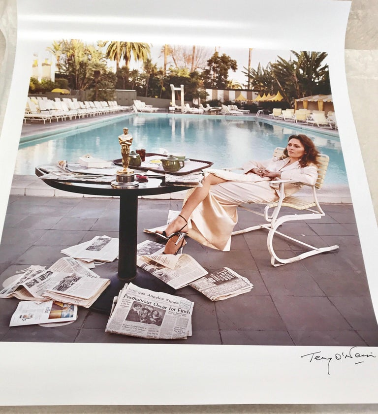 Terry O'Neill - Faye Dunaway Oscar Ennui - signed limited edition Oversize 2