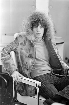 Mick Jagger in his Dressing Room, 1964 - Terry O'Neill (Portrait Photography)