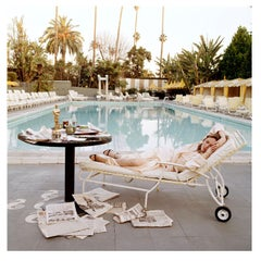 Terry O'Neill - Faye Dunaway Oscar Reclining - signed limited edition Oversize