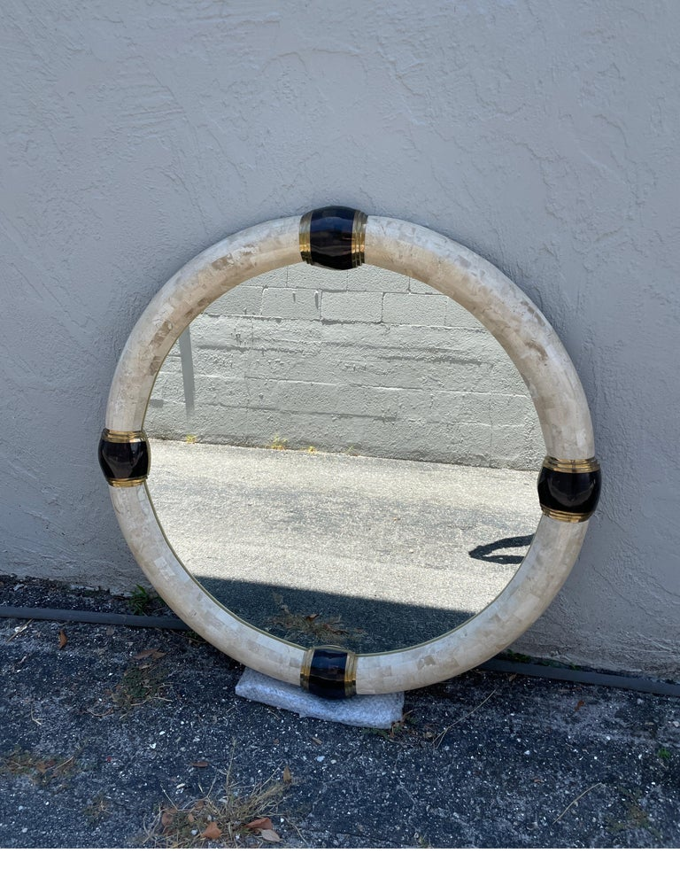 Tessellated Marble & Pen Shell Round Mirror by Karl Springer In Good Condition For Sale In West Palm Beach, FL
