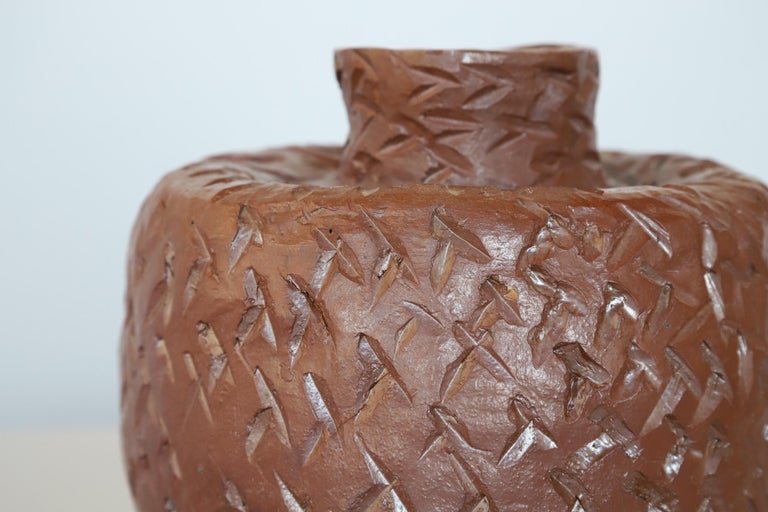Textured Ceramic Pot In Good Condition For Sale In Oklahoma City, OK