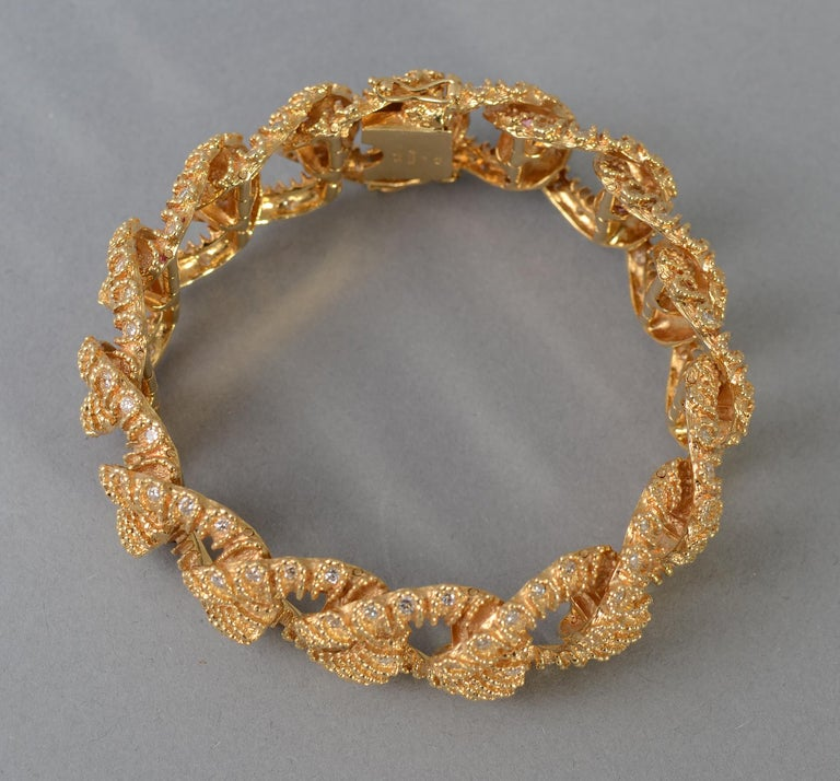 Textured Curbchain Link Bracelet with Diamonds In Excellent Condition For Sale In Darnestown, MD
