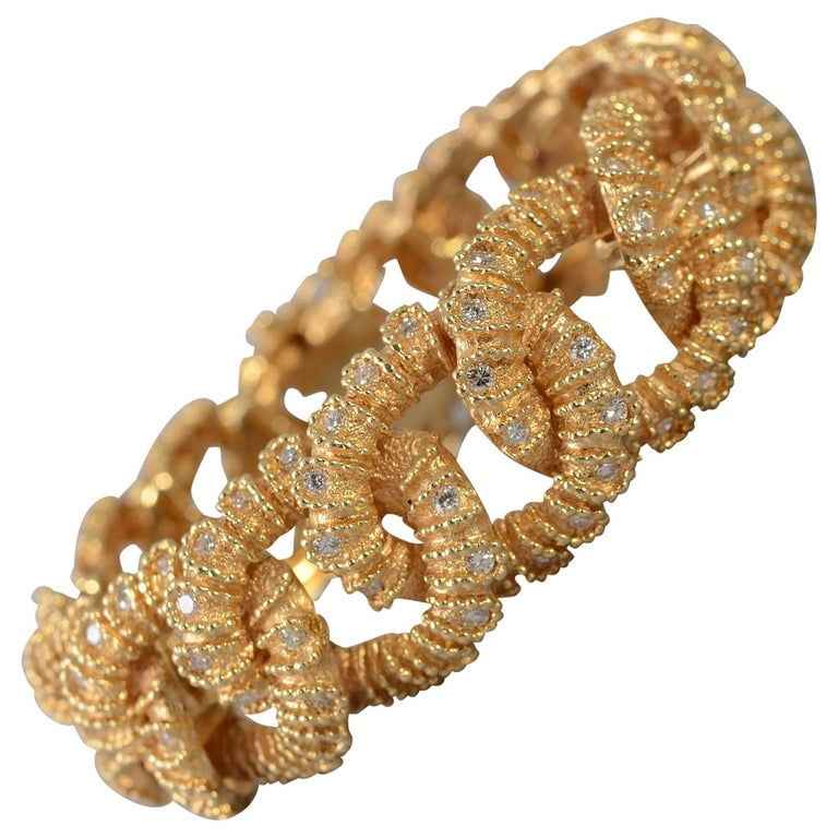 Textured Curbchain Link Bracelet with Diamonds For Sale