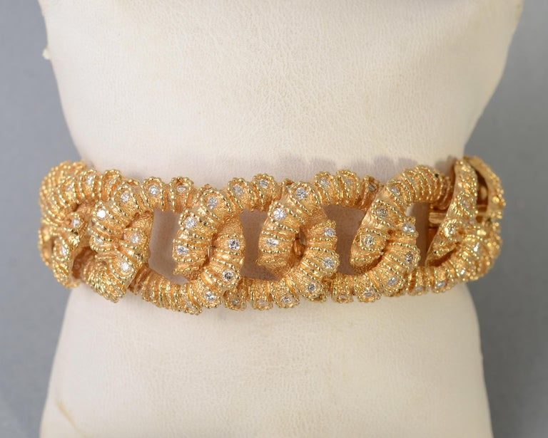 Elegant and unusual textured curbchain link bracelet with diamonds. The bracelet has a total diamond weight of approximately 3.5 carats; diamonds are VVS. Each link is 3/4