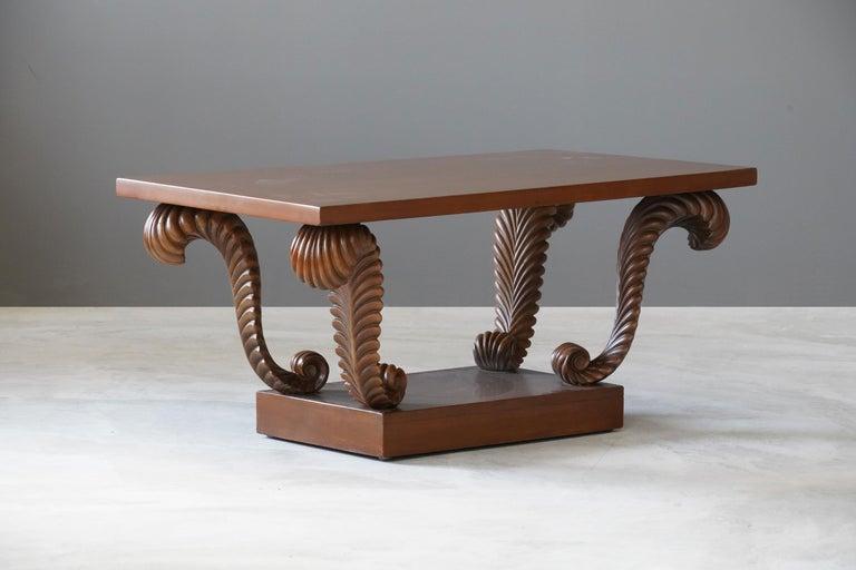 Mid-Century Modern T.H. Robsjohn-Gibbings, Coffee or Cocktail Table, Walnut, Widdicomb, America For Sale