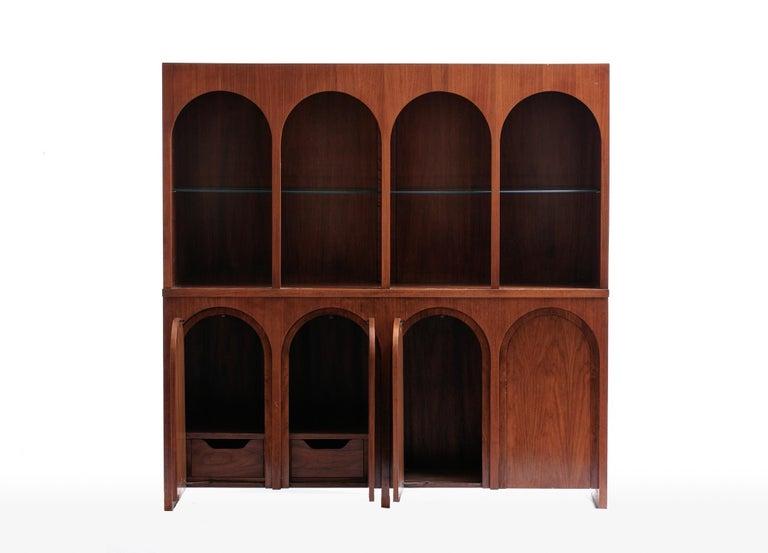 Mid-Century Modern T.H. Robsjohn-Gibbings Coliseum Display Cabinet For Sale