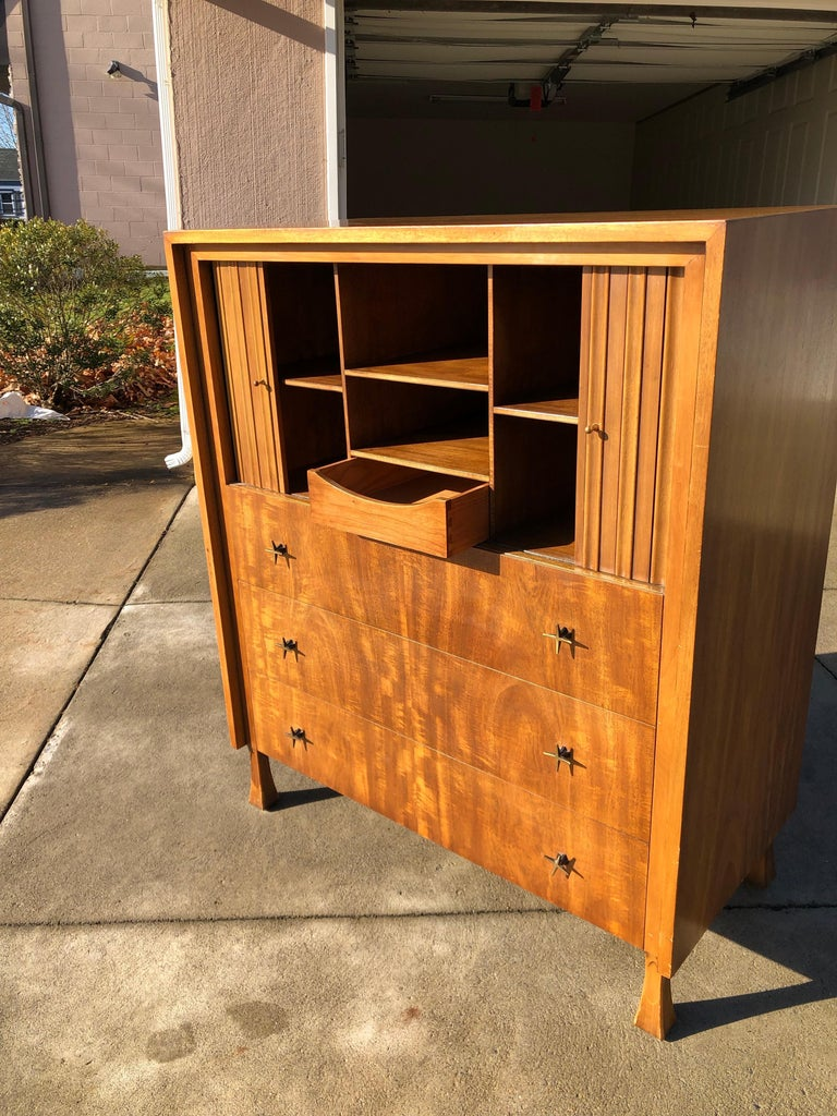 T.H. Robsjohn-Gibbings for Widdicomb Cabinet In Good Condition For Sale In Allentown, PA
