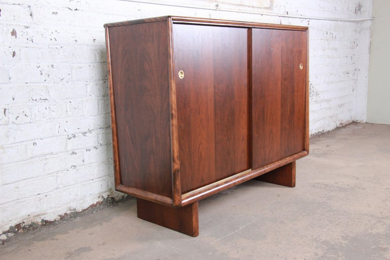 Mid-20th Century T.H. Robsjohn-Gibbings for Widdicomb Sculpted Walnut Gentleman's Chest, Restored For Sale
