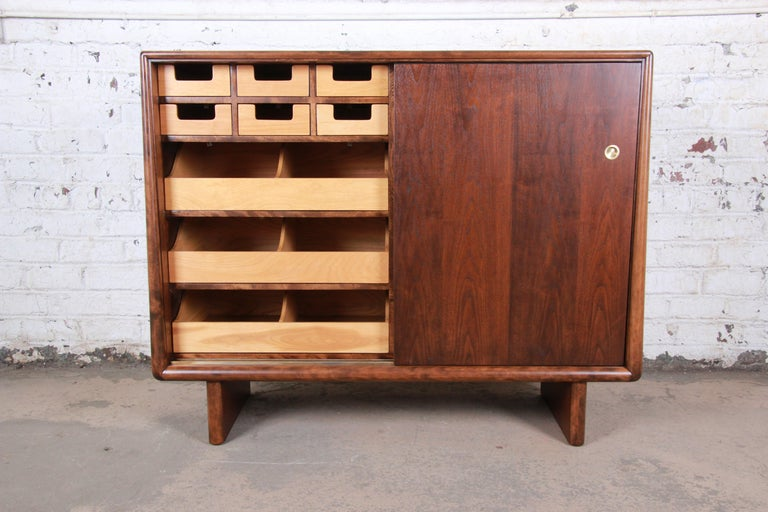 T.H. Robsjohn-Gibbings for Widdicomb Sculpted Walnut Gentleman's Chest, Restored For Sale 1