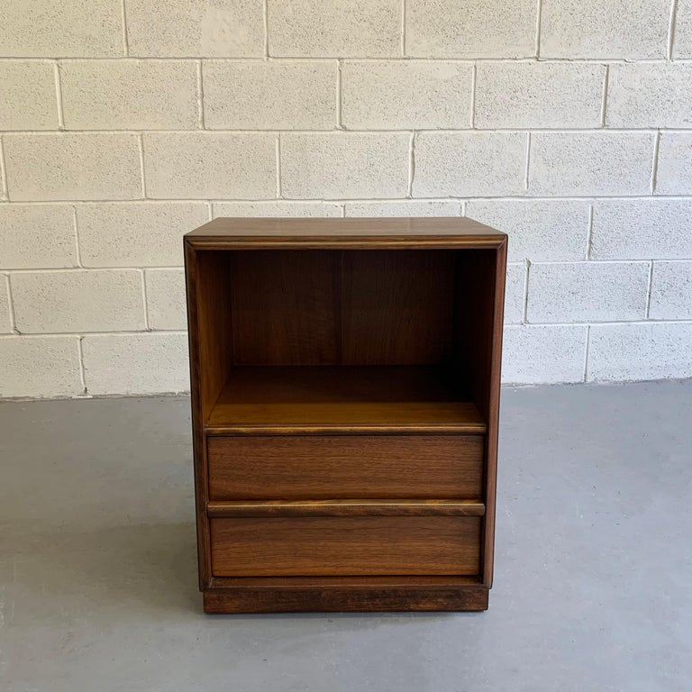 Mid-Century Modern, walnut nightstand or end table by T.H. Robsjohn Gibbings For Widdicomb features an 11 inch height opening and 9.5 inch height drawer.