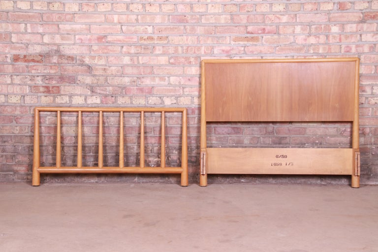 Mid-Century Modern T.H. Robsjohn-Gibbings for Widdicomb Walnut Twin Size Bed, 1950 For Sale