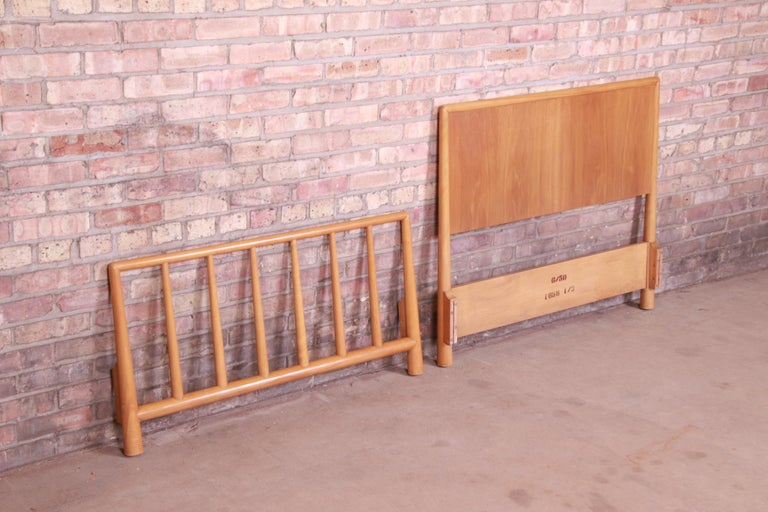 Mid-20th Century T.H. Robsjohn-Gibbings for Widdicomb Walnut Twin Size Bed, 1950 For Sale