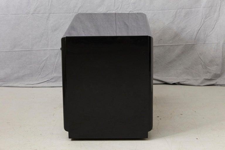 T.H. Robsjohn-Gibbings Kneehole Desk in New Black Piano Lacquer Finish For Sale 2