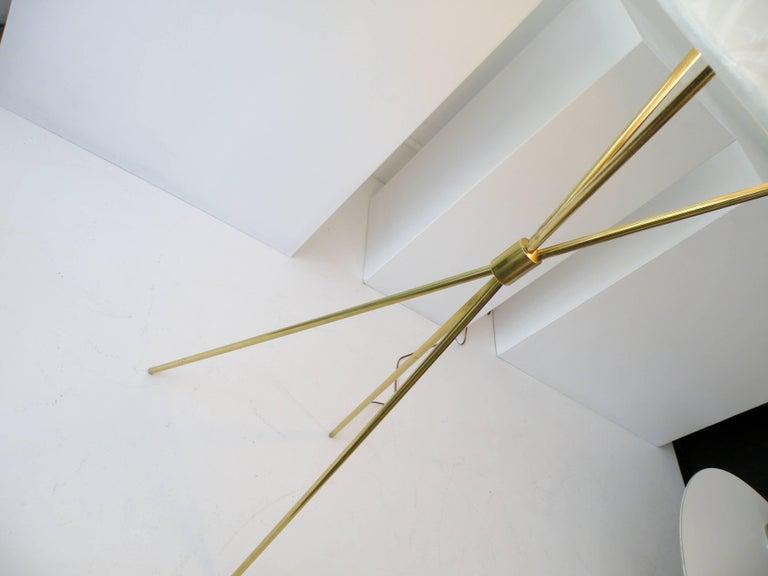 T.H. Robsjohn-Gibbings Paul Hansen NY Brass Tripod Floor Lamp In Excellent Condition For Sale In Denver, CO