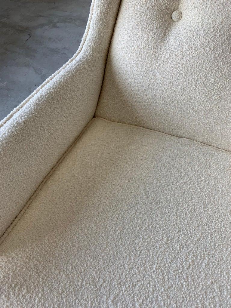 T.H. Robsjohn-Gibbings, Rare Lounge Chairs, Walnut, Off-White Fabric, Widdicomb For Sale 2