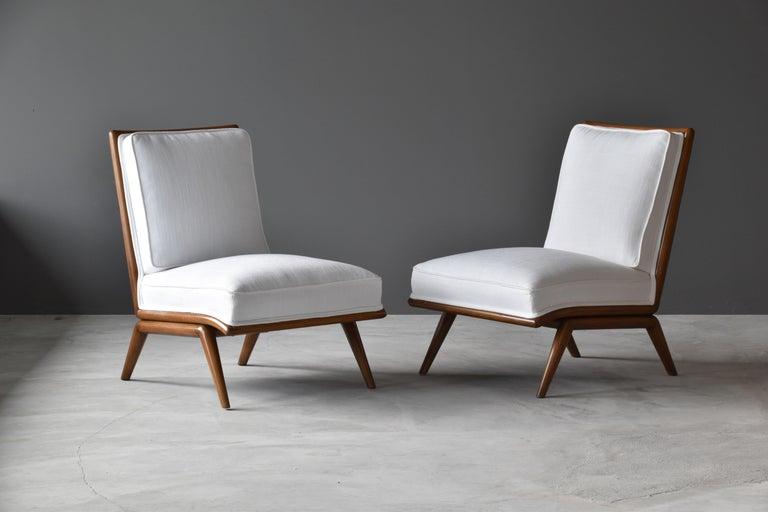 Mid-Century Modern T.H. Robsjohn-Gibbings, Rare Slipper Chairs, Walnut, White Fabric, Widdicomb For Sale