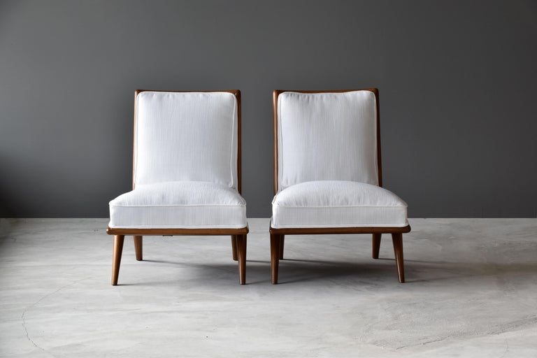 T.H. Robsjohn-Gibbings, Rare Slipper Chairs, Walnut, White Fabric, Widdicomb In Good Condition For Sale In West Palm Beach, FL
