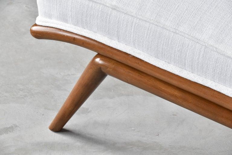T.H. Robsjohn-Gibbings, Rare Slipper Chairs, Walnut, White Fabric, Widdicomb For Sale 2