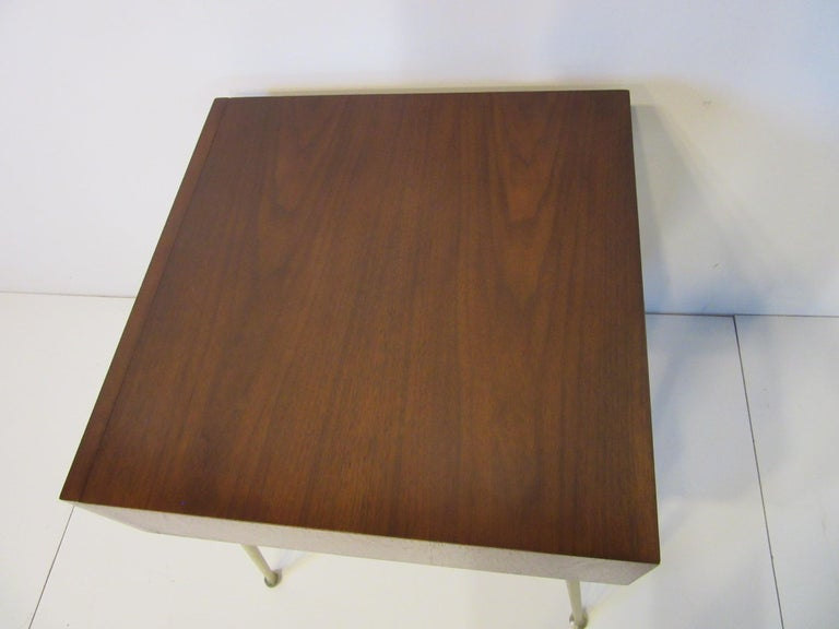 T.H. Robsjohn-Gibbings Side, End Table / Nightstand for Widdicomb In Good Condition For Sale In Cincinnati, OH