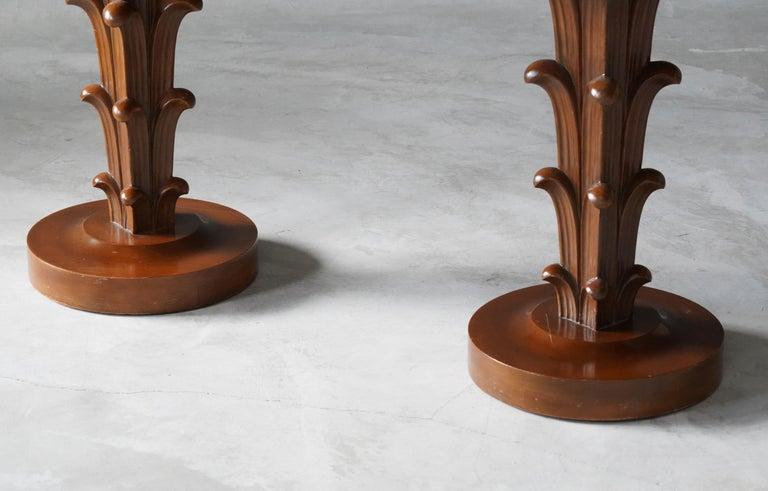 Mid-Century Modern T.H. Robsjohn-Gibbings, Side Tables / End Tables, Walnut, Widdicomb, America For Sale