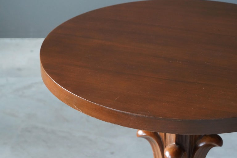 T.H. Robsjohn-Gibbings, Side Tables / End Tables, Walnut, Widdicomb, America In Good Condition For Sale In West Palm Beach, FL