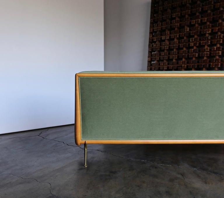 T.H. Robsjohn-Gibbings Sofa, Model 1727 for Widdicomb, circa 1955 For Sale 7