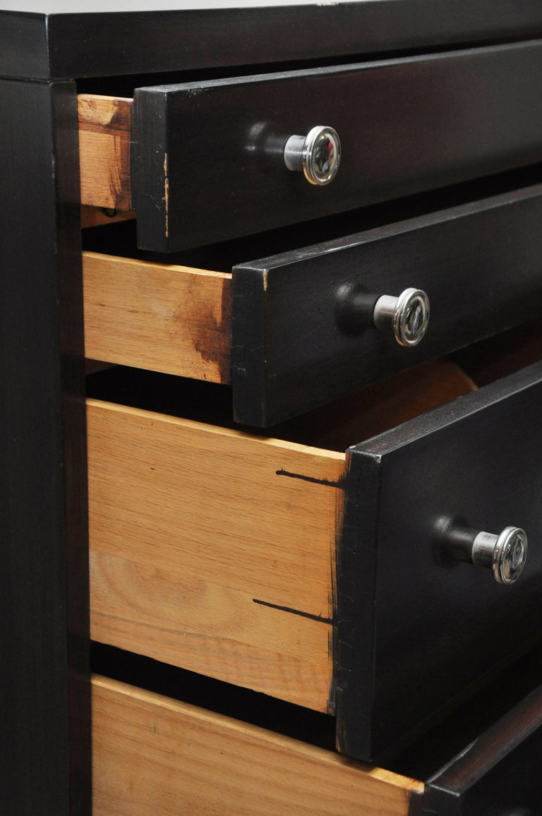 T.H. Robsjohns-Gibbings for Widdicomb Chest of Drawers In Good Condition In Geneva, IL