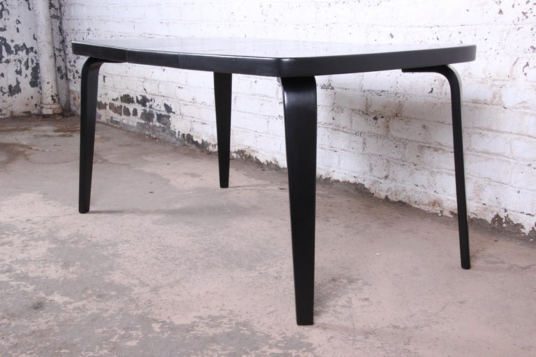 American Thaden Jordan Black Lacquered Bentwood Birch Extension Dining Table, 1940s