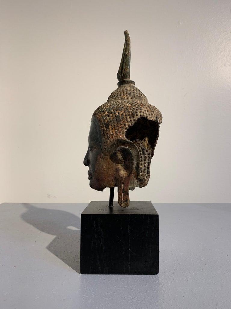 Thai Bronze Buddha Head, Ayutthaya Kingdom, U-Thong a Style, 14th Century In Fair Condition For Sale In Austin, TX
