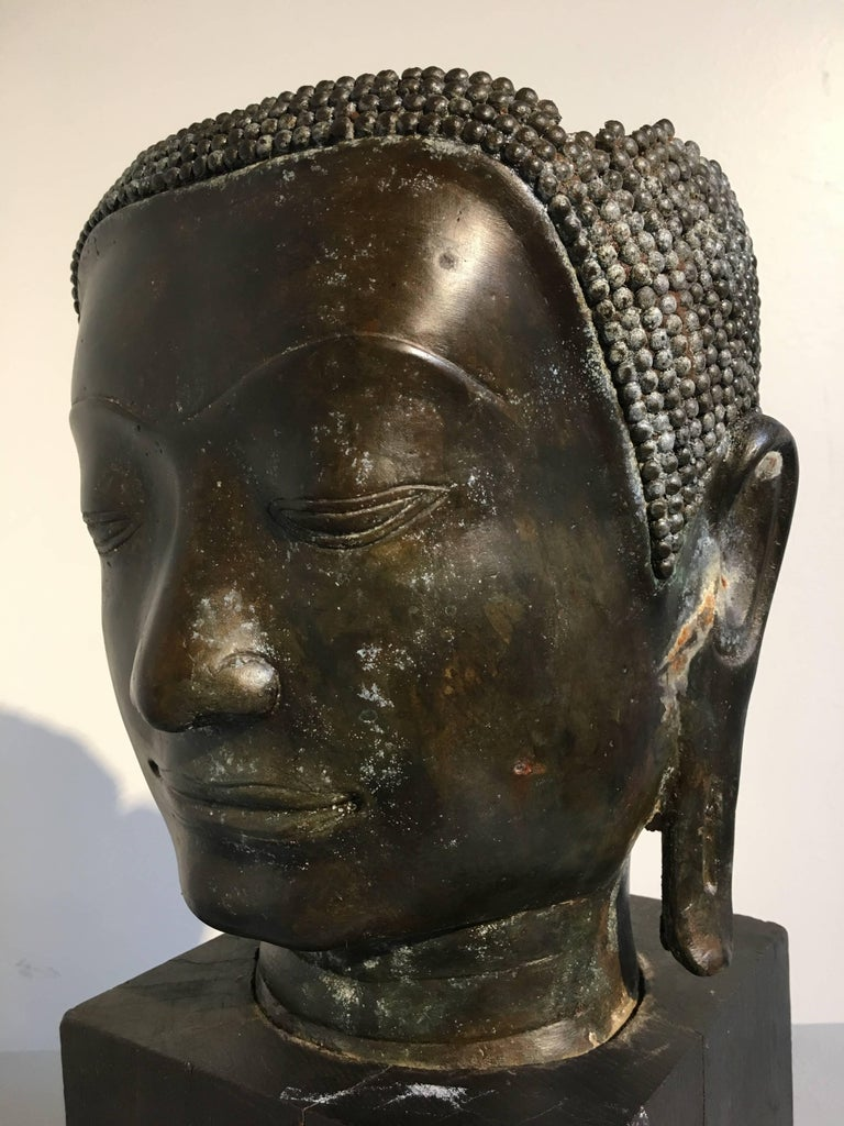 Thai Bronze Head of the Buddha, Ayutthaya U-Thong Style, 14th-15th Century For Sale 9