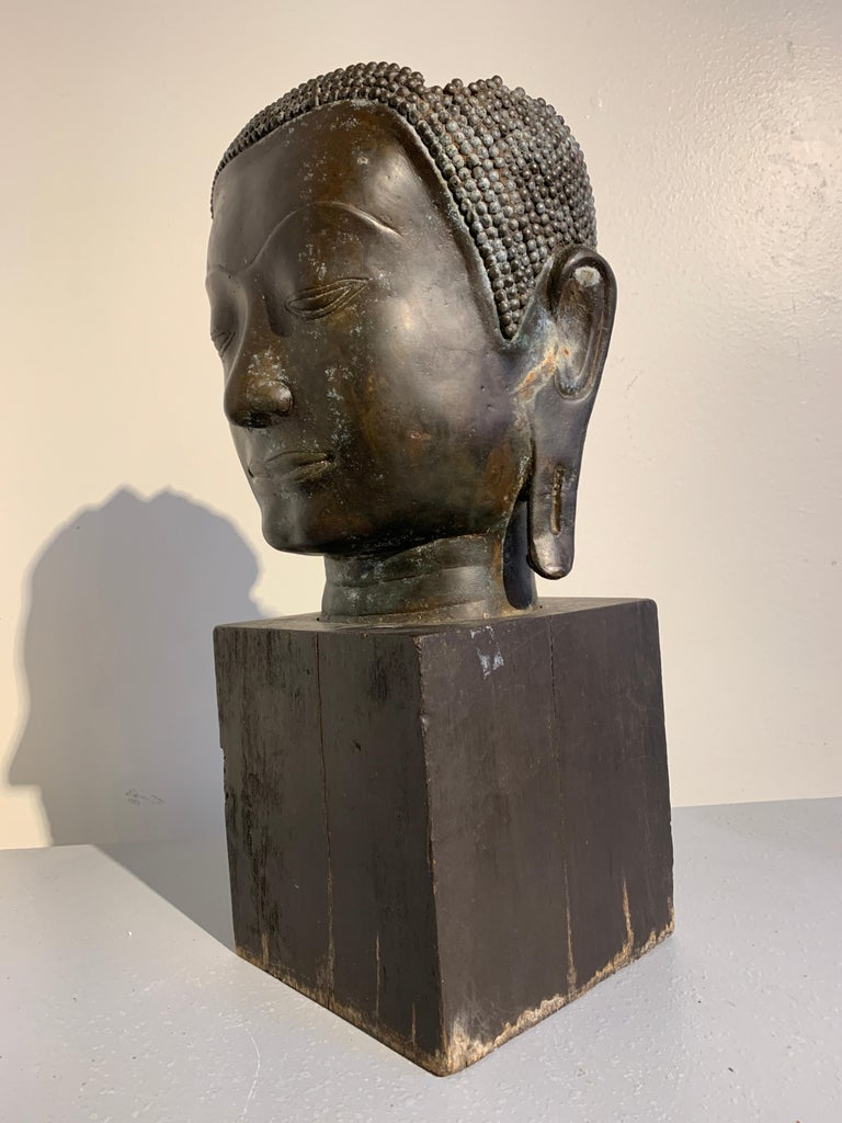 Cast Thai Bronze Head of the Buddha, Ayutthaya U-Thong Style, 14th-15th Century For Sale