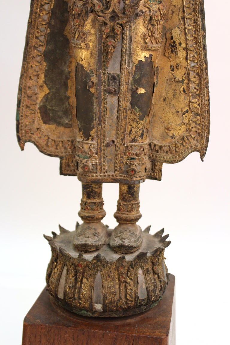 Thai Gilded Mirrored Bronze Buddha Statue on Wooden Base For Sale 5