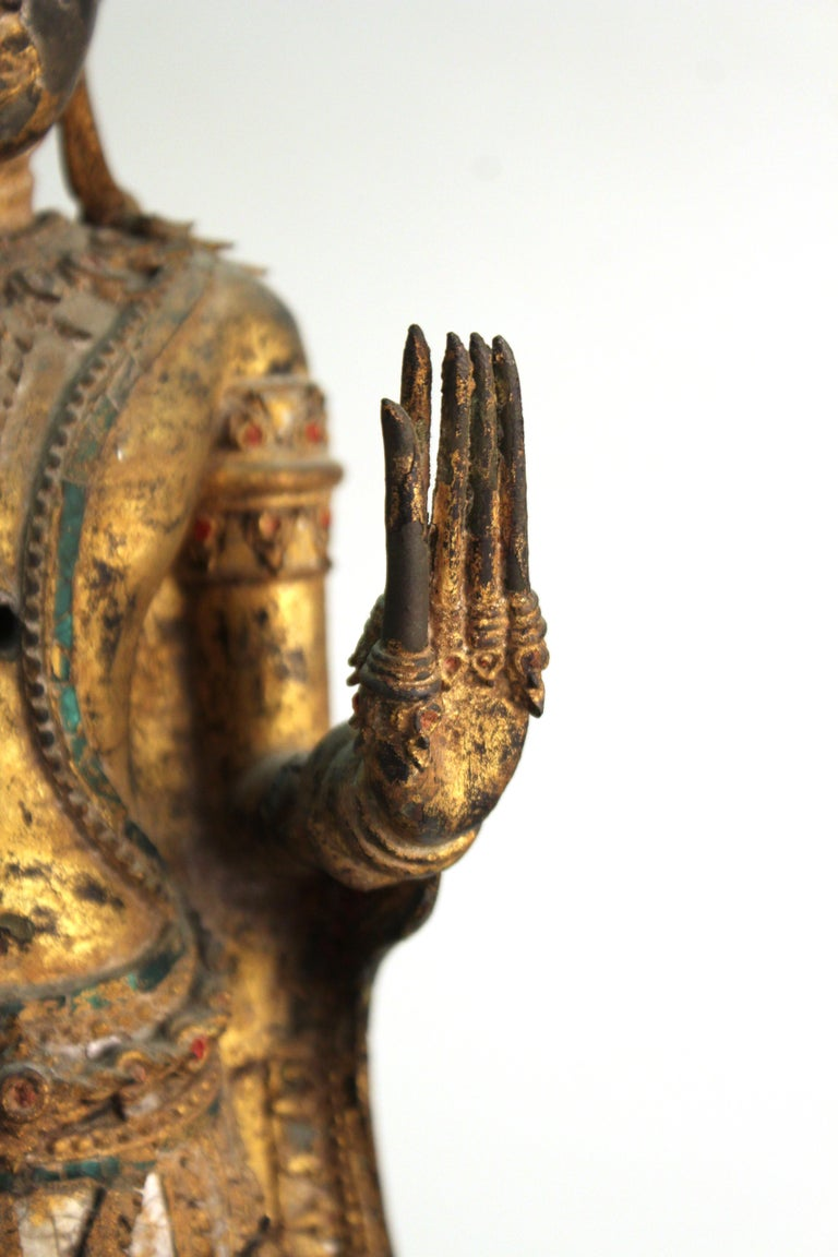 Thai Gilded Mirrored Bronze Buddha Statue on Wooden Base For Sale 11