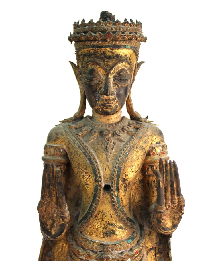Thai Gilded Mirrored Bronze Buddha Statue on Wooden Base For Sale 1