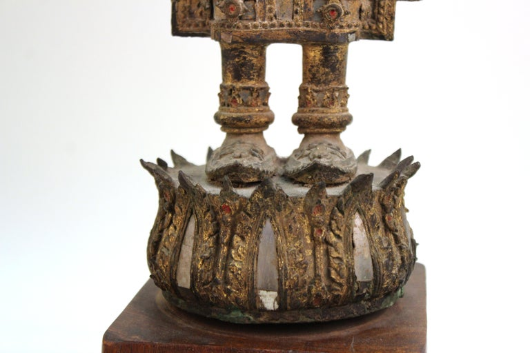 Thai Gilded Mirrored Bronze Buddha Statue on Wooden Base For Sale 4