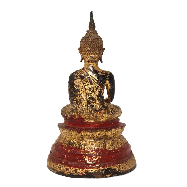 Cast Thai Gilt Bronze Sculpture of a Seated Buddha For Sale