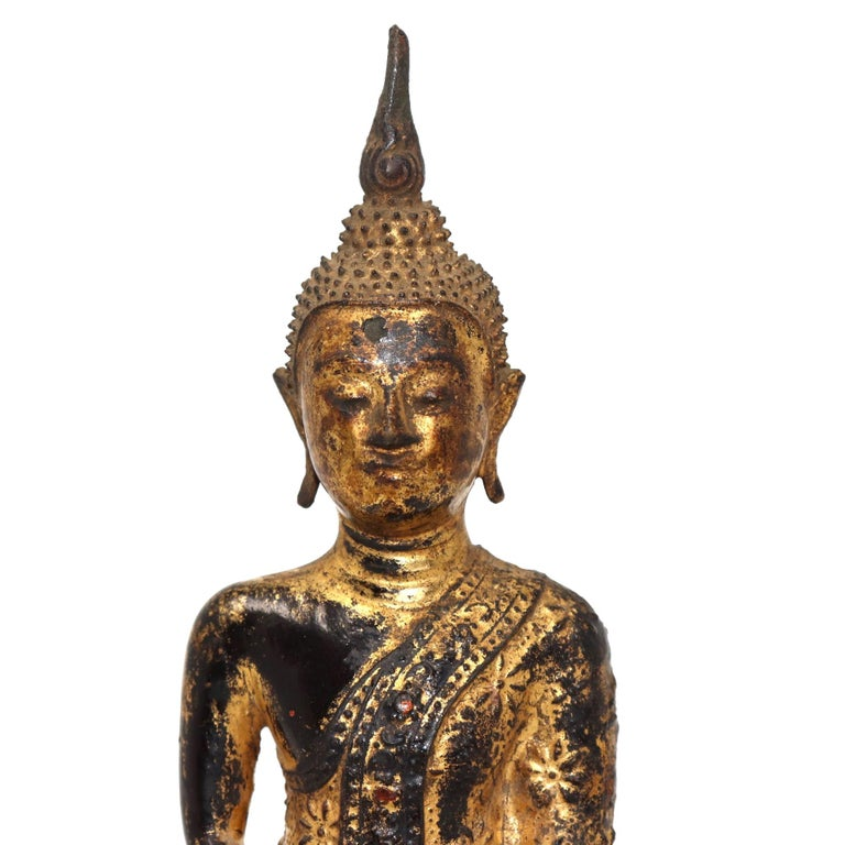 19th Century Thai Gilt Bronze Sculpture of a Seated Buddha For Sale