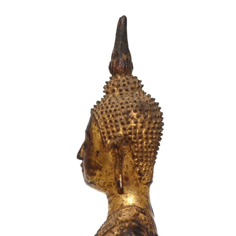 Thai Gilt Bronze Sculpture of a Seated Buddha For Sale 2