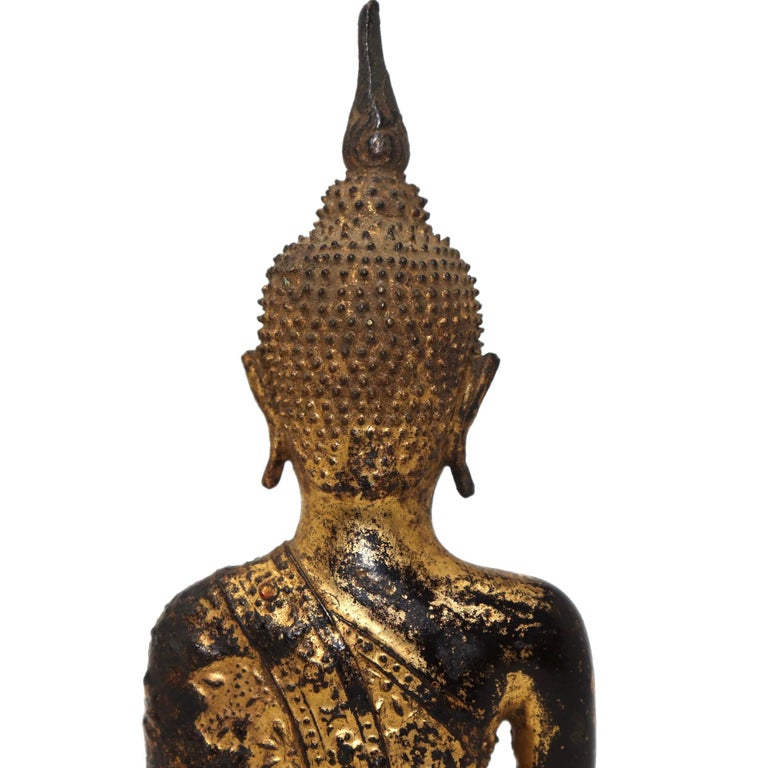 Thai Gilt Bronze Sculpture of a Seated Buddha For Sale 3