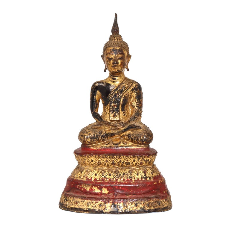 Thai Gilt Bronze Sculpture of a Seated Buddha For Sale